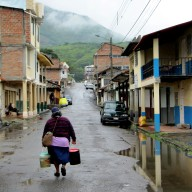 Woman selling choclo, Vilcabamba town