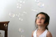 Sara and soap bubbles